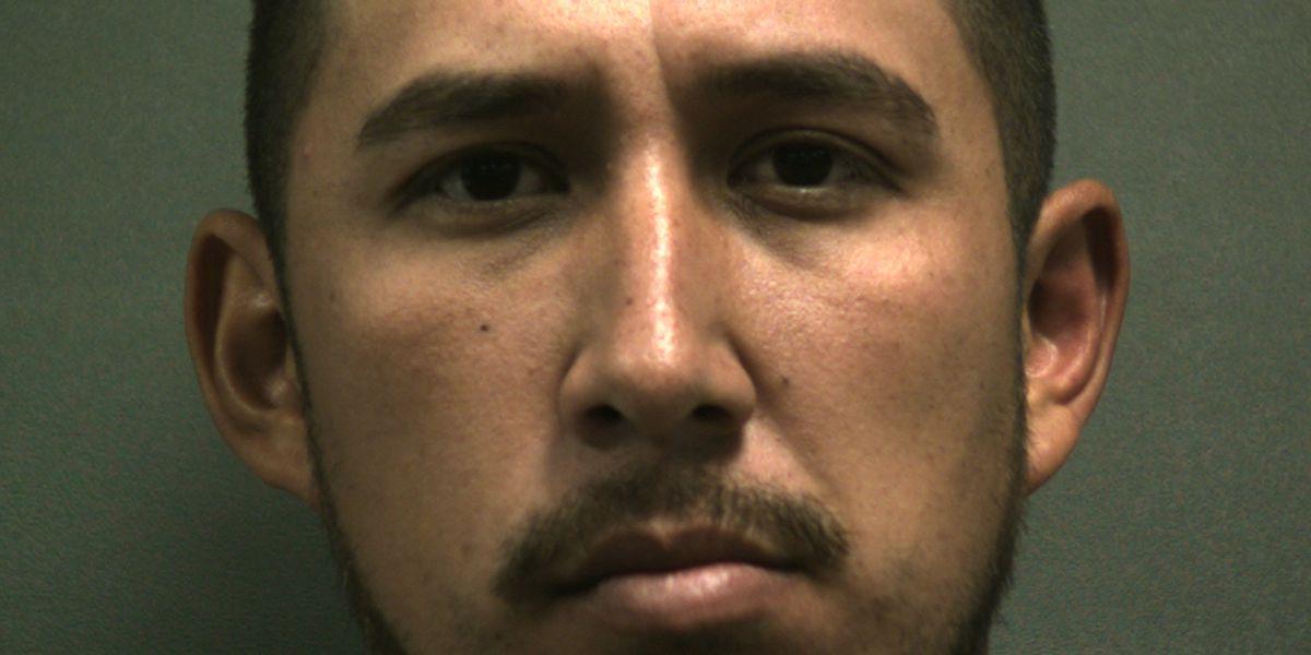 Assmir Contreras-Martinez, mexican cop, illegal immigrant